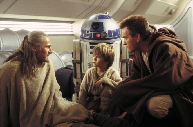 still-of-ewan-mcgregor,-liam-neeson-and-jake-lloyd-in-star-wars--episode-i-the-phantom-menace-(1999)-large-picture